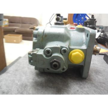 BOSCH VARIABLE VANE PUMP 0513600101