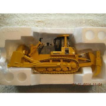 50-0216 Komatsu D375 Dozer NEW IN BOX
