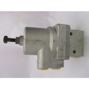 371 Dutch Singapore 029 008 0 WABCO REXROTH  Pneumatic Valve  3/2-Way Poppet Valve